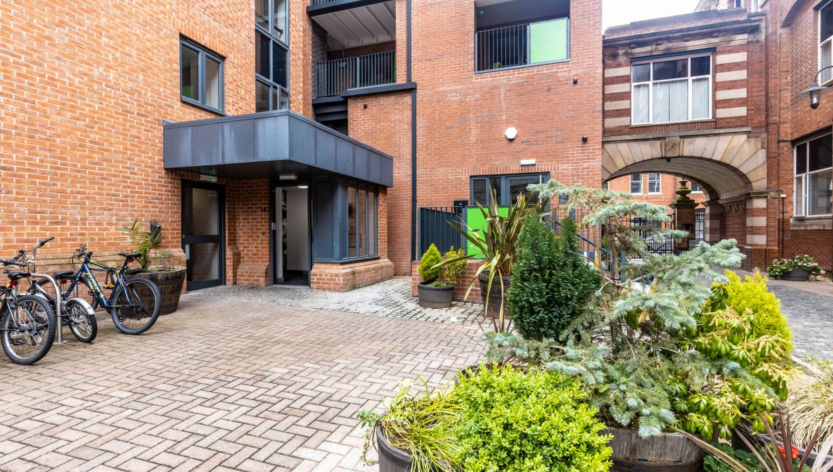 15-property-malak-leicester-luxury-apartments-queen-street-s18-superior-2bed